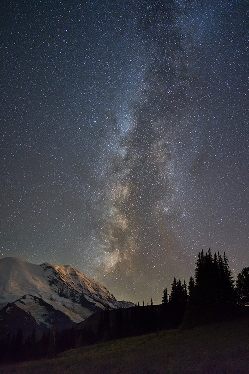 The Milky Way over Sunrise by Chris Weber,  September 8, 2013, flickr.com/groups/MountRainierNPS, used with attribution under a Creative Commons license.