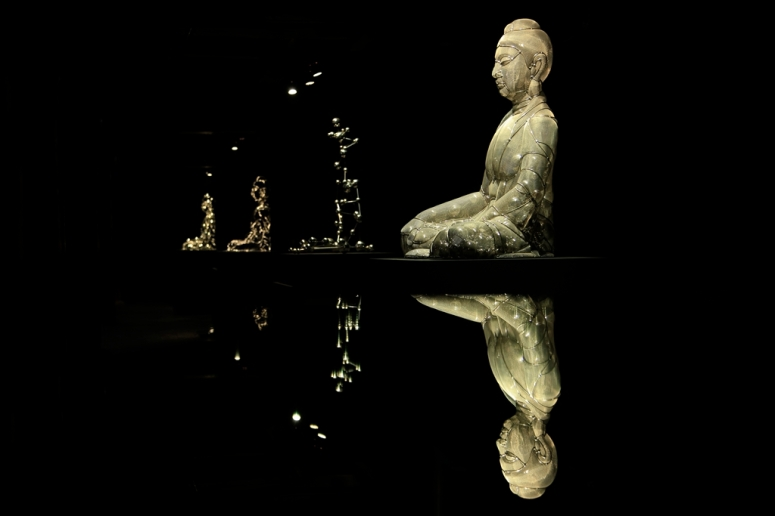 Shi-Zhongying-Buddha-Icon-Series-2013-Stainless-steel-each-95x72x65cm1