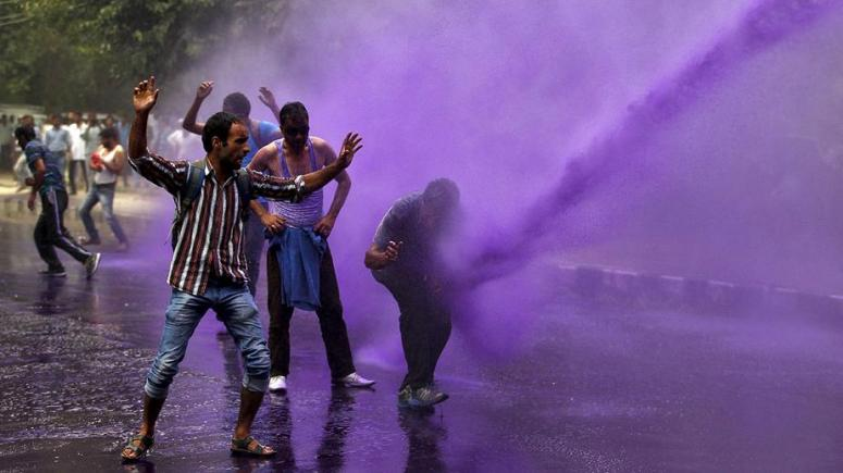 Government workers protesting in India Photo Credit: Danish Ismail/Reuters