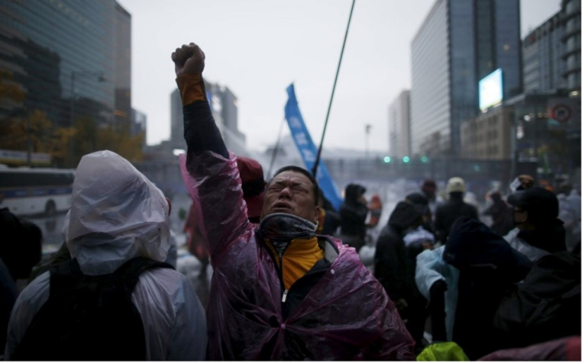 Anti-government protesters in Seoul, South Korea Nov. 14, 2015 Credit - Hon-Ji/Reuters